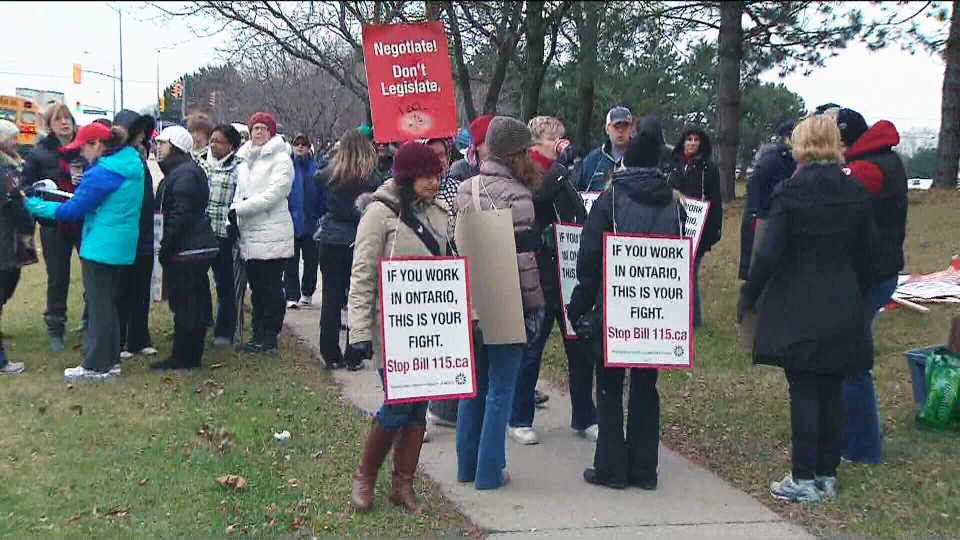 Elementary school teachers in Peel strike Tuesday, Dec. 18, 2012.