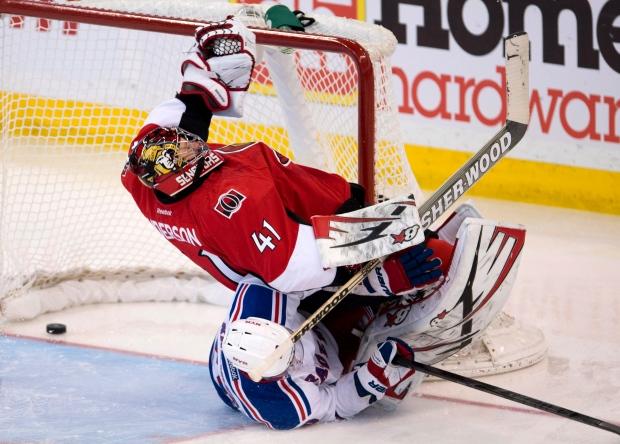 Ottawa Senators goalie Craig Anderso