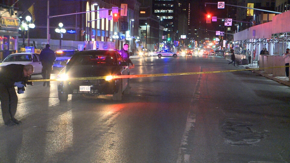 police investigating a violent attack on rideau st in downtown ottawa ctv ottawa news. Black Bedroom Furniture Sets. Home Design Ideas