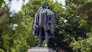 A statue of Edward Cornwallis stands in a Halifax park on Thursday, June 23, 2011. (Andrew Vaughan/THE CANADIAN PRESS)