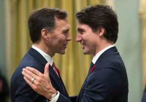 Prime Minister Justin Trudeau, right, goes face-to-face with Finance Minister Bill Morneau at Rideau Hall in Ottawa on Wednesday, November 4, 2015. (Sean Kilpatrick/THE CANADIAN PRESS)