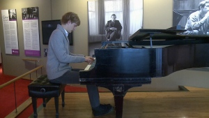 NAC moves iconic Gould piano