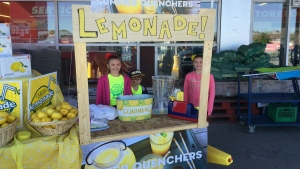 Mixing hockey with Lemonade