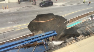 sinkhole on rideau street