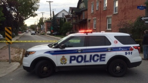 A police vehicle blocks access to the Centretown area where it is reported that a man was making threats with a weapon on Sept. 30, 2016. (Jim O'Grady/CTV Ottawa)