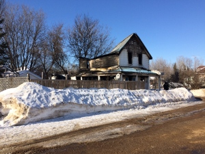 One woman is dead after a fire completely destroyed a house on Queen St. in Killaloe. Investigators are looking into the cause of the blaze. (Tyler Fleming/CTV Ottawa, January 16, 2017)