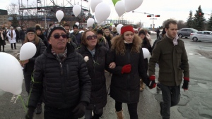 Hundreds walk in Thérèse Gauvreau's memory