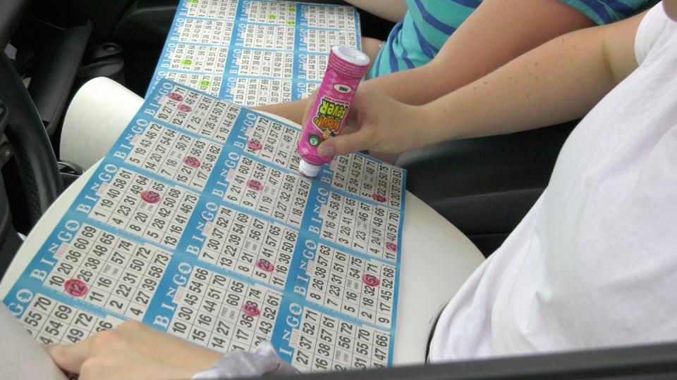 Cartes de bingo dans la voiture
