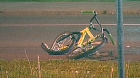 A 16-year-old male was killed after a motorcycle hit his BMX bike on Carling Avenue late Sunday night, May 16, 2010. Image courtesy: TVA