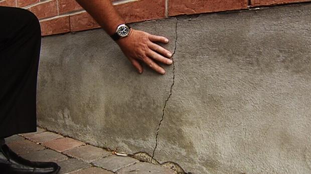 dried out soil cracking ottawa foundations ctv ottawa news. Black Bedroom Furniture Sets. Home Design Ideas